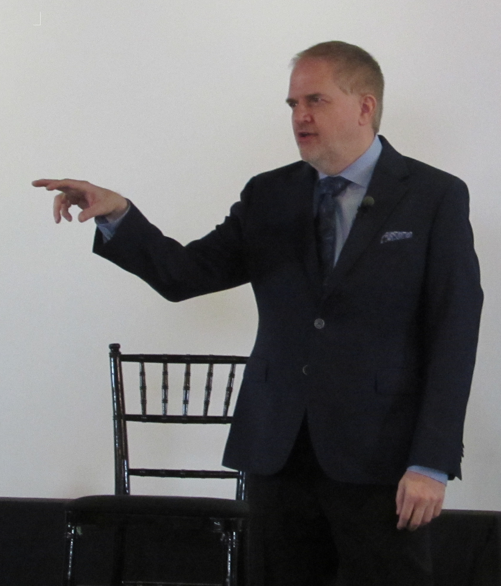 Kevin Hogan Body Language Expert.