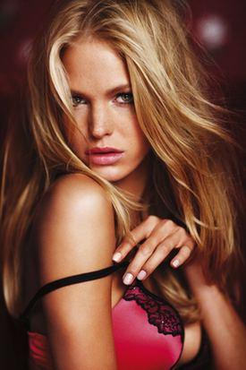Victoria's Secret Influences Women and Men